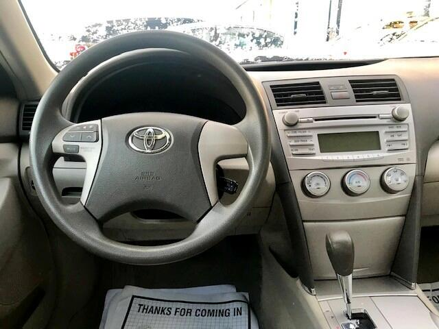 2011 Toyota Camry 4dr Sdn LE V6 Auto (Natl)