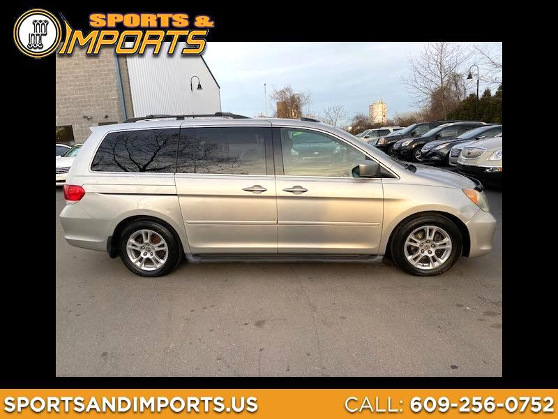 Honda Odyssey Touring w/ Nav System and DVD 2009