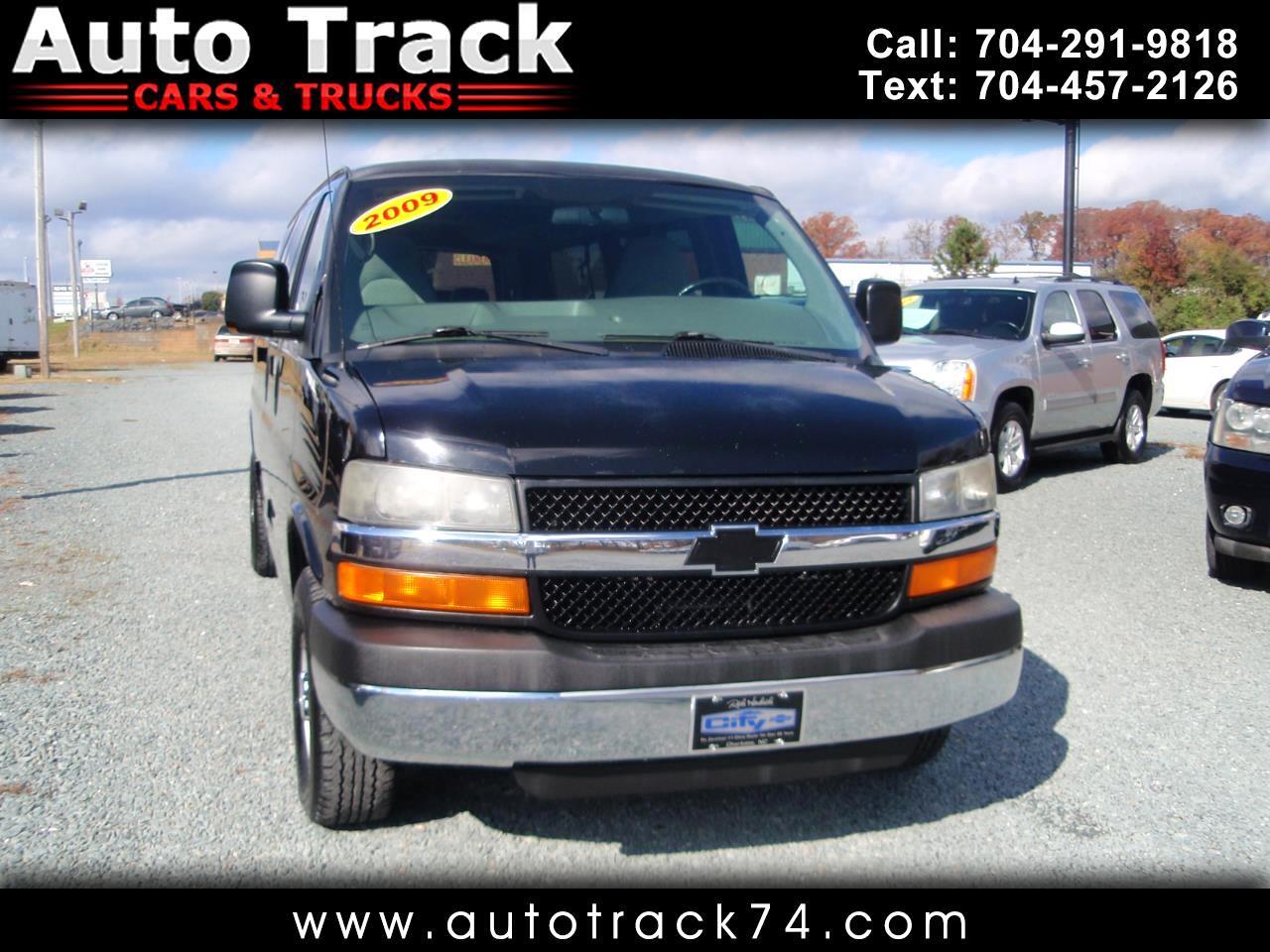"2009 Chevrolet Express Passenger RWD 3500 155"""