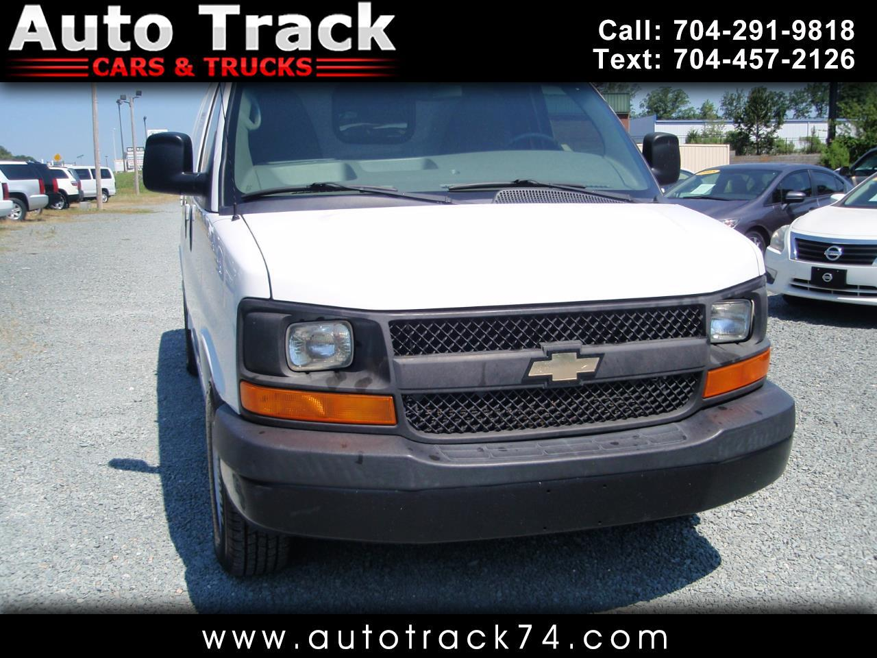 """2014 Chevrolet Express Cargo Van RWD 1500 135"""""""