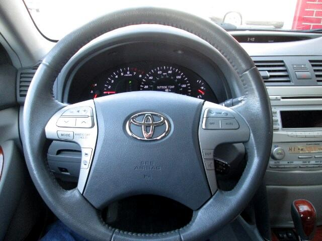 2011 Toyota Camry XLE AT