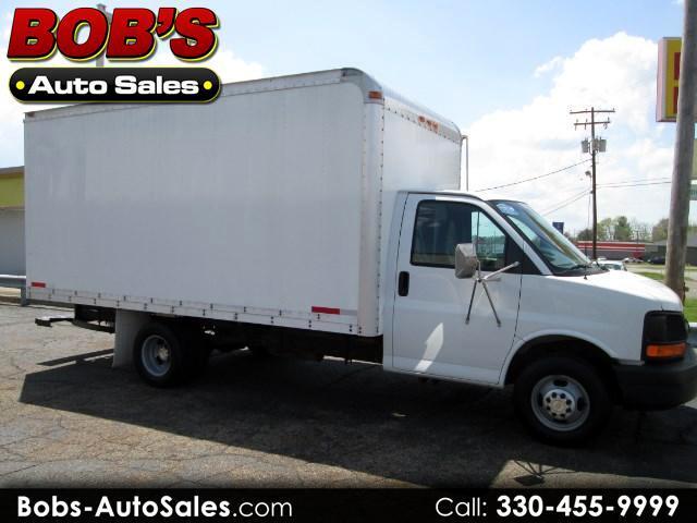 2004 Chevrolet Express G3500 Box truck