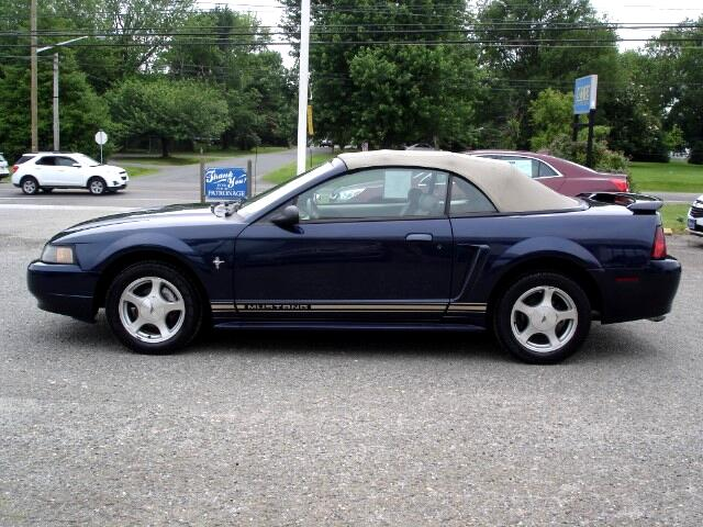 2001 Ford Mustang 2dr Convertible