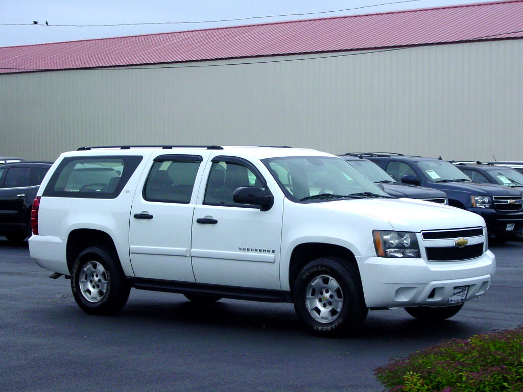 2007 Chevrolet Suburban 4WD 4dr 1500 Commercial