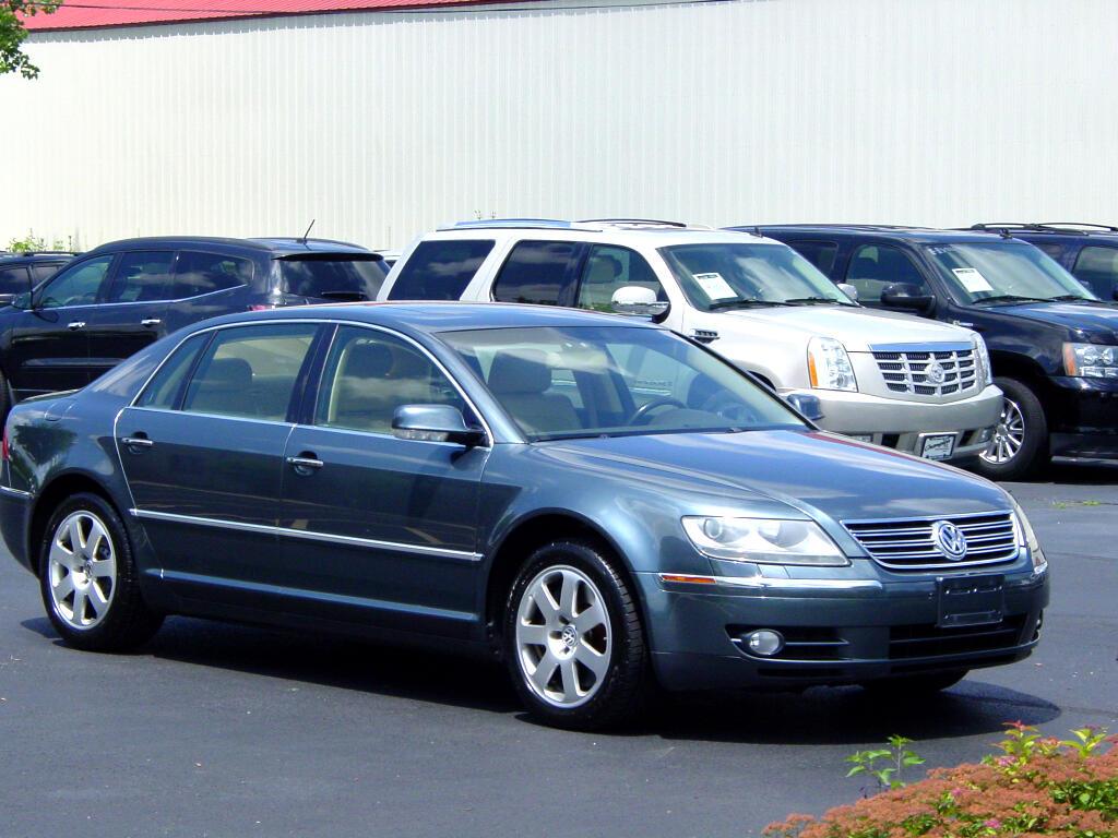 2004 Volkswagen Phaeton 4dr Sdn V8 6-spd Auto