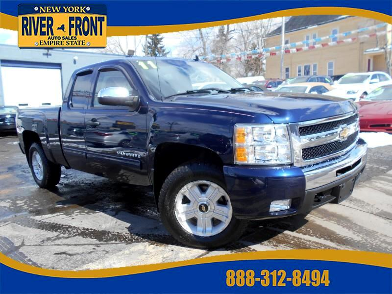 2011 Chevrolet Silverado 1500 Z71 Ext. Cab Short Bed 4WD