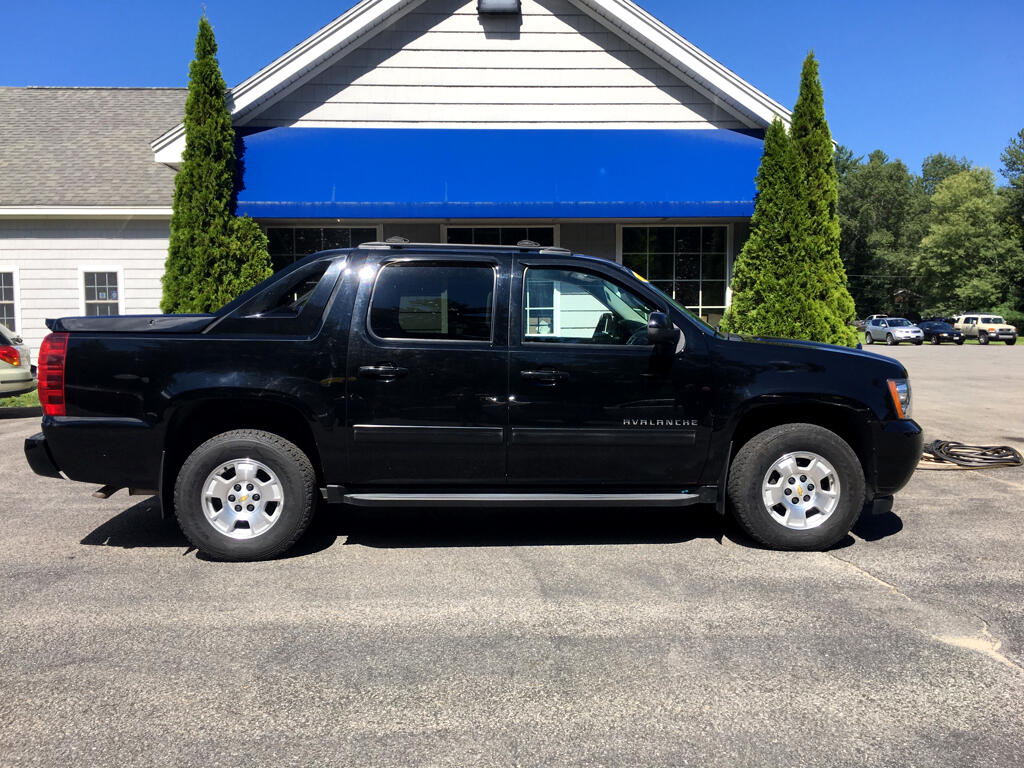 2012 Chevrolet Avalanche 4WD Crew Cab LS
