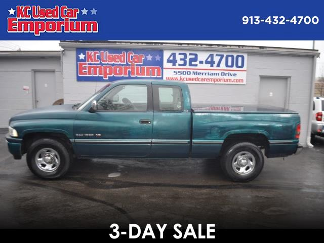 1995 Dodge Ram 1500 ST Club Cab 6.5-ft. Bed 2WD