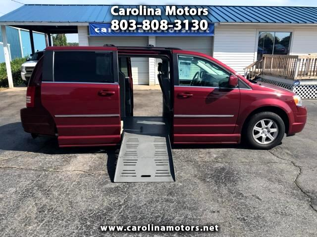2010 Chrysler Town & Country Touring, Braun Handicap Wheelchair Van