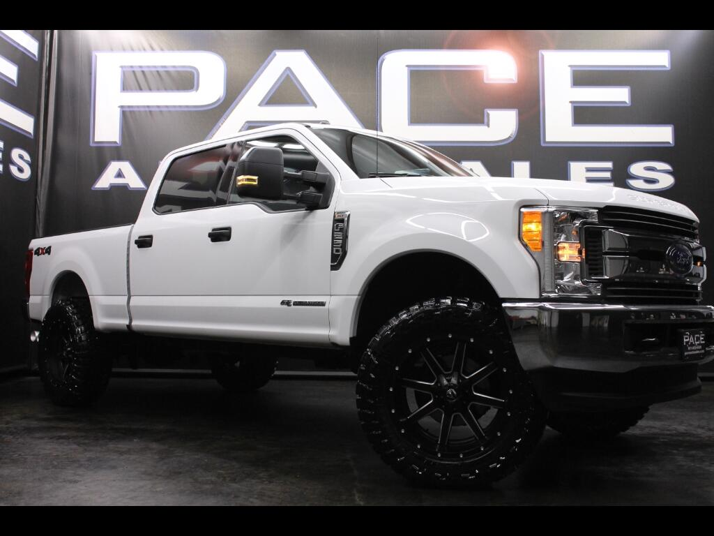 2017 Ford F-250 SD XLT Crew Cab 4WD Leveled Custom