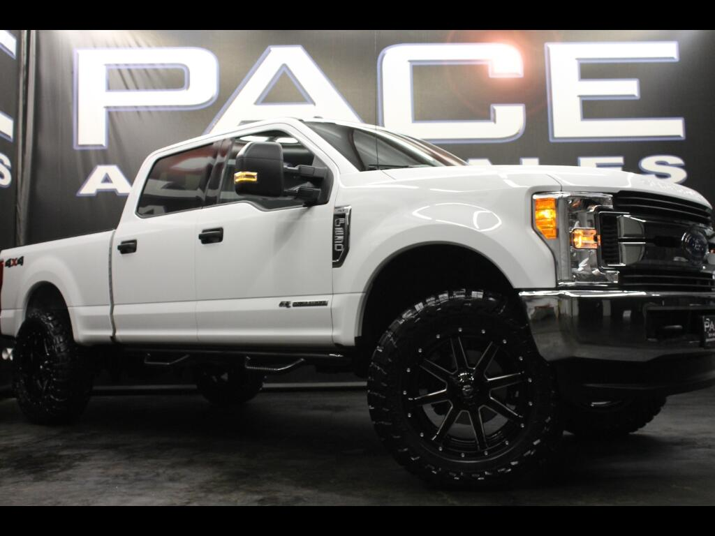 2017 Ford Super Duty F-250 SRW Crew Cab 4WD Leveled Custom