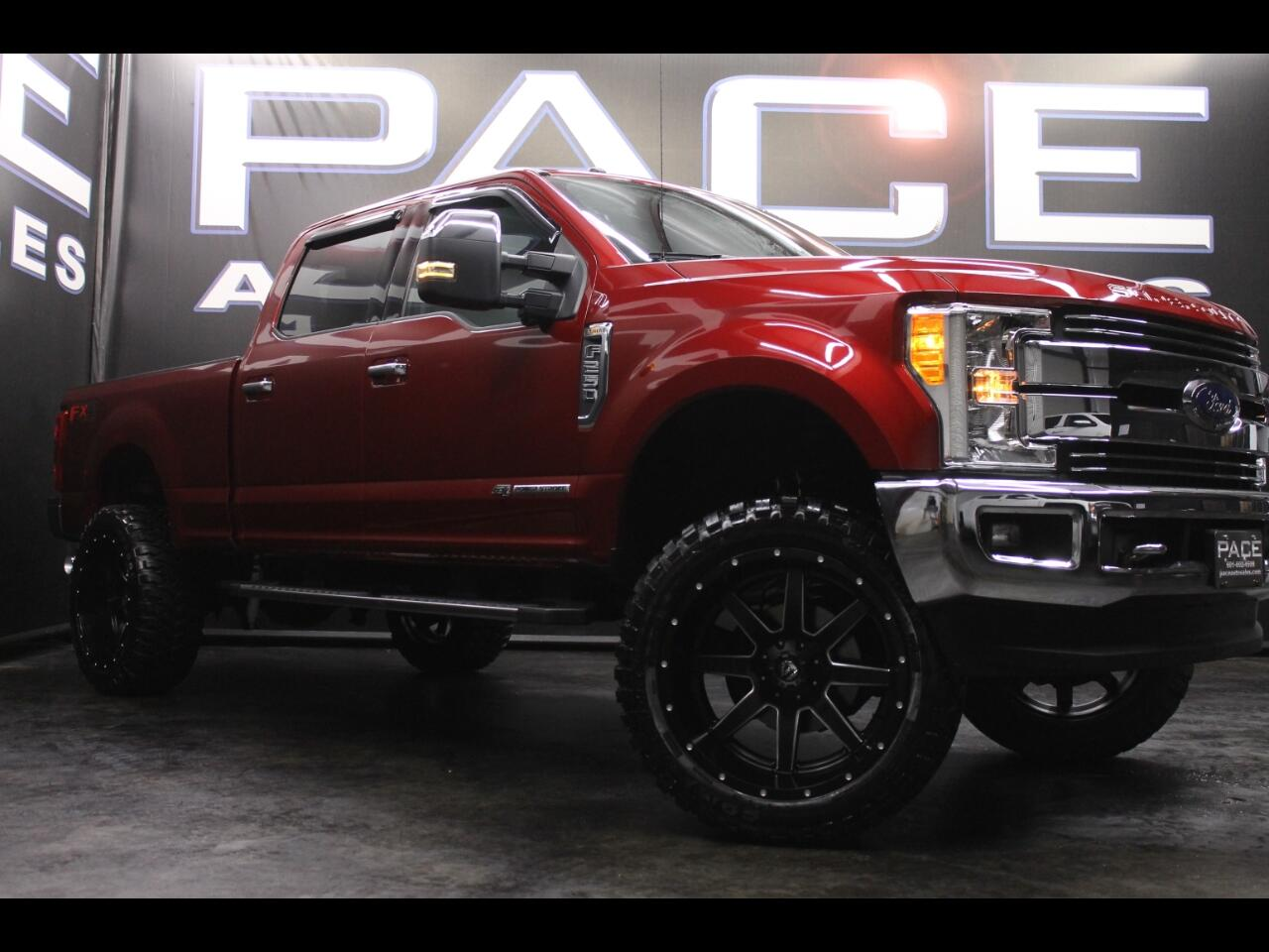 2017 Ford Super Duty F-250 SRW Lariat Crew Cab 4WD Lifted Custom