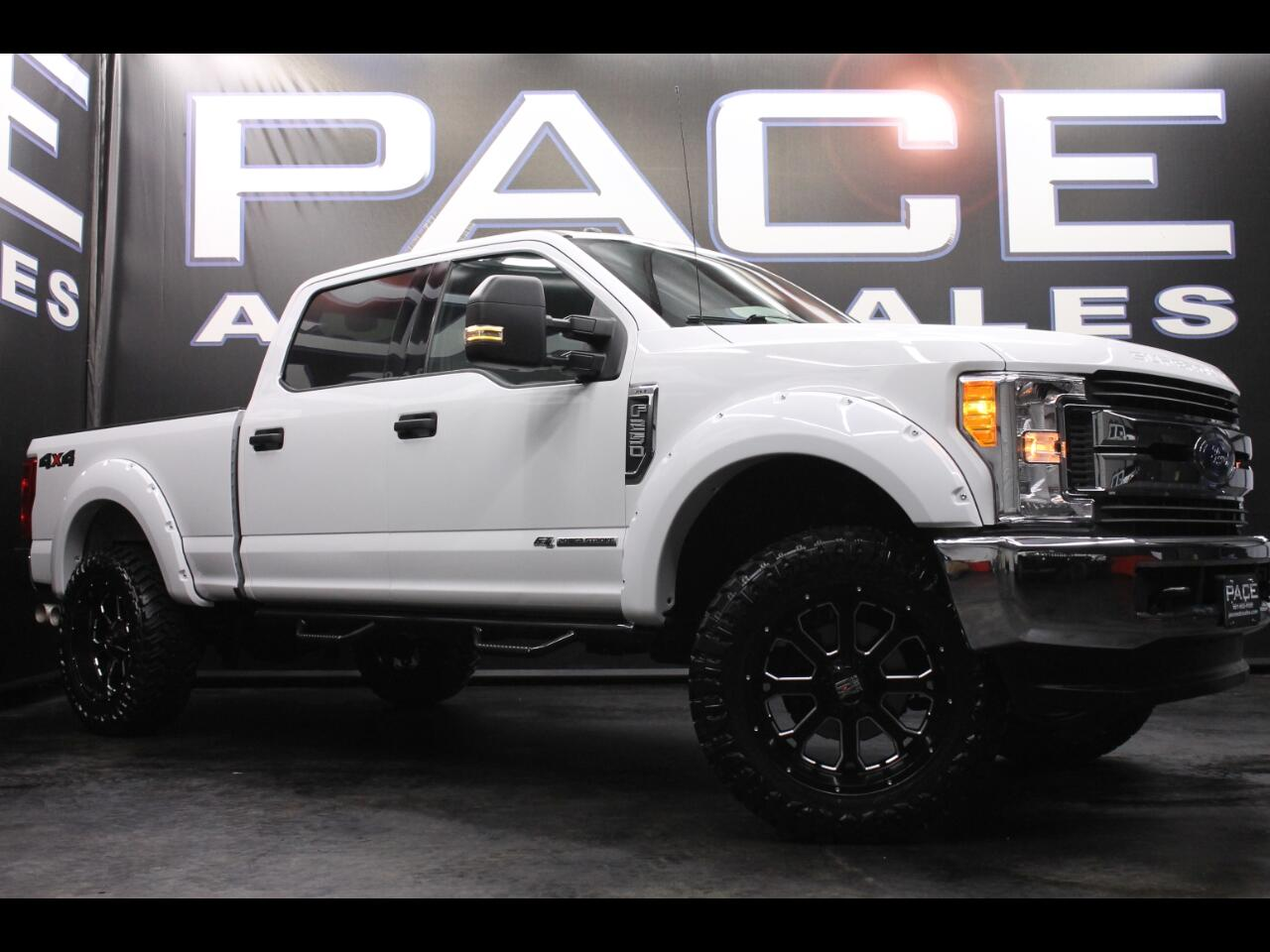 2017 Ford F-250 SD Crew Cab 4WD Leveled Custom