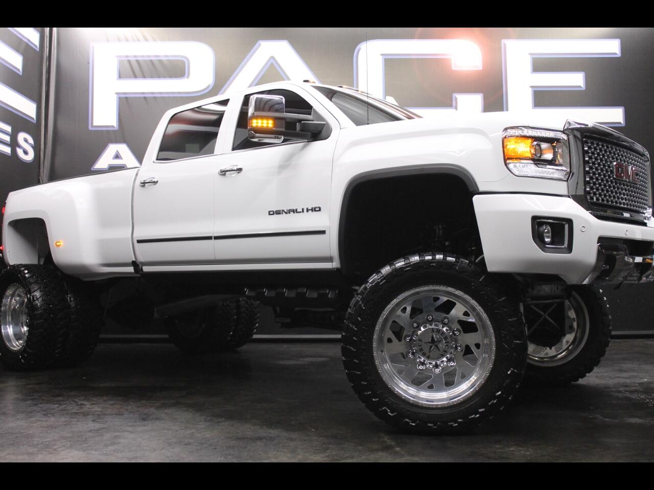 2017 GMC Sierra 3500HD 4WD Crew Cab Denali Lifted Custom