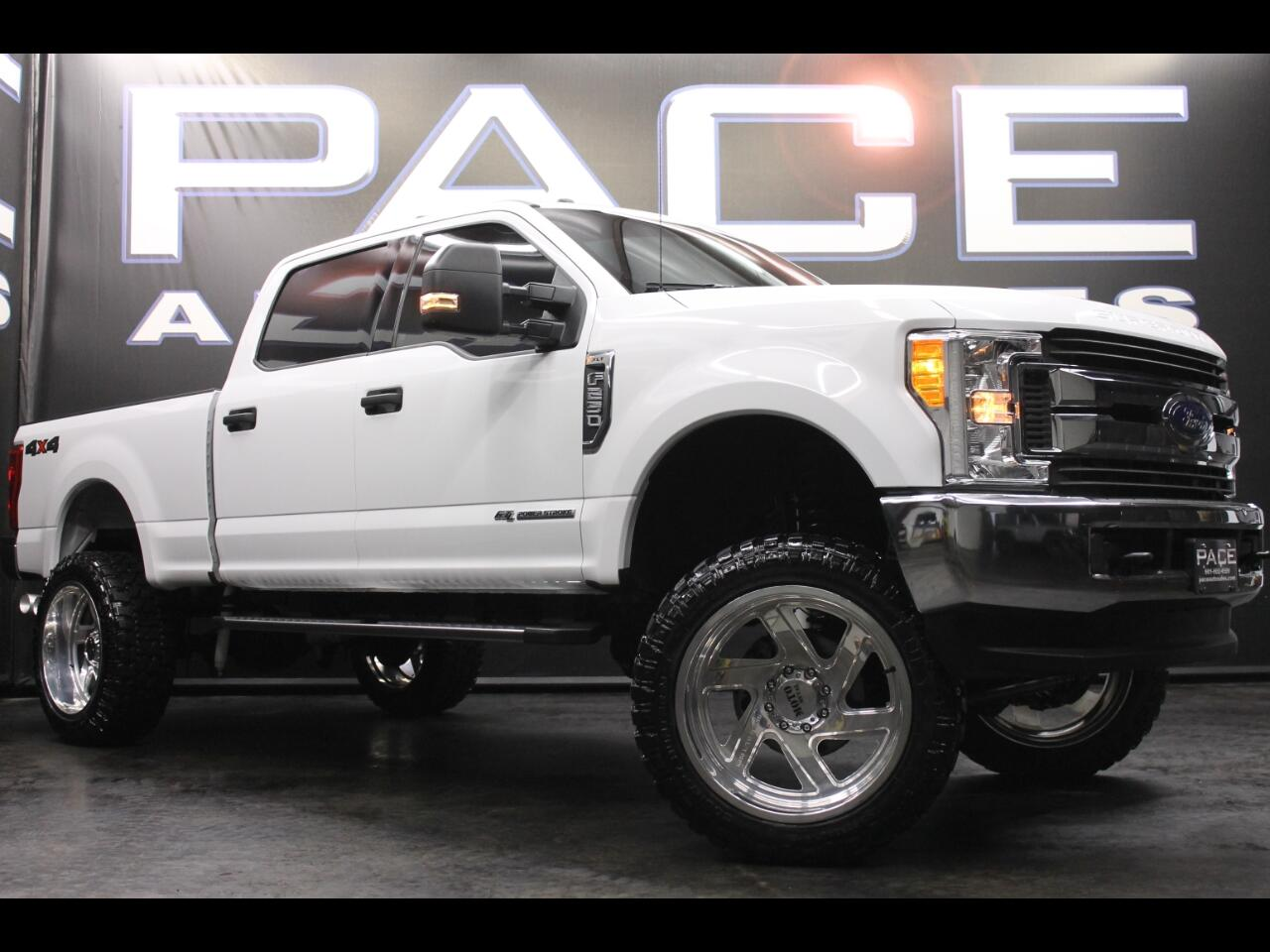 2017 Ford Super Duty F-250 SRW XLT 4WD Crew Cab Lifted Custom