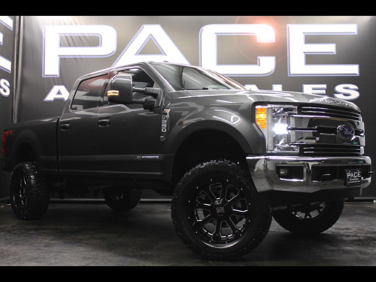 2017 Ford Super Duty F-250 SRW Lariat 4WD FX4 Crew Lifted Custom