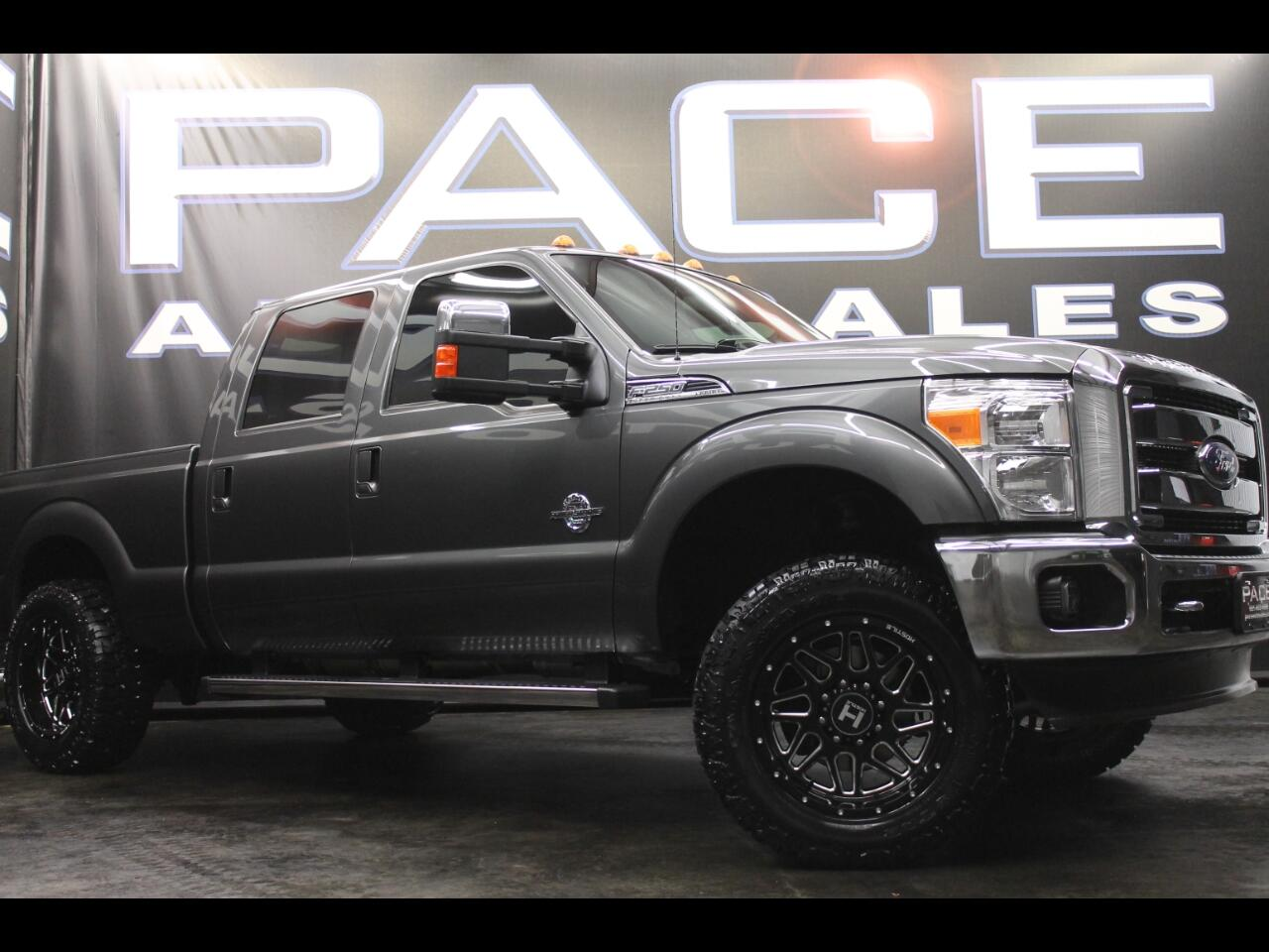 2015 Ford Super Duty F-250 SRW 4WD Crew Cab Lariat Leveled Custom