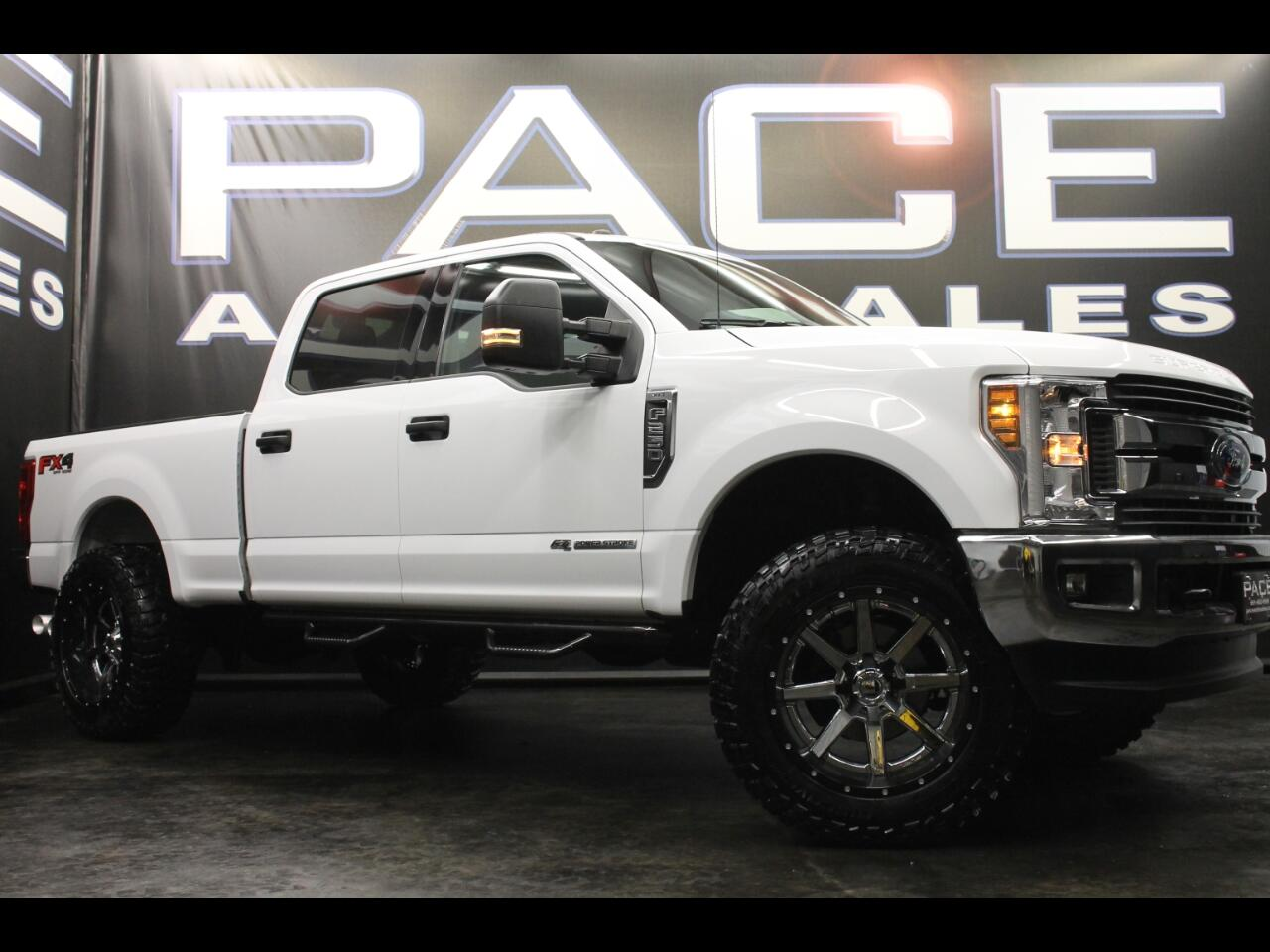 2018 Ford Super Duty F-250 SRW FX4 Crew Cab 4WD Leveled Custom