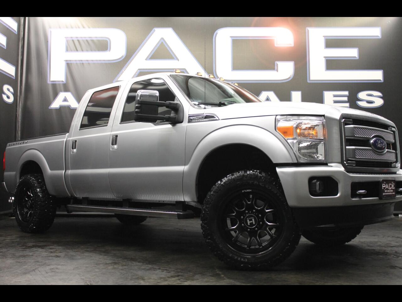 2016 Ford Super Duty F-250 SRW 4WD Crew Cab Platinum Leveled Custom