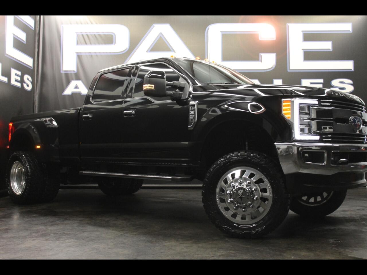 2017 Ford Super Duty F-350 DRW Lariat 4WD Crew Cab Lifted Custom