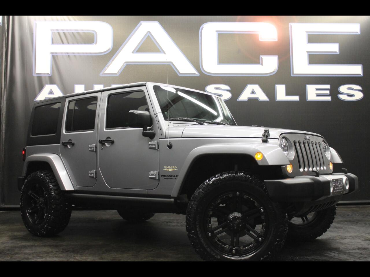 2014 Jeep Wrangler Unlimited 4WD 4dr Sahara Lifted Custom