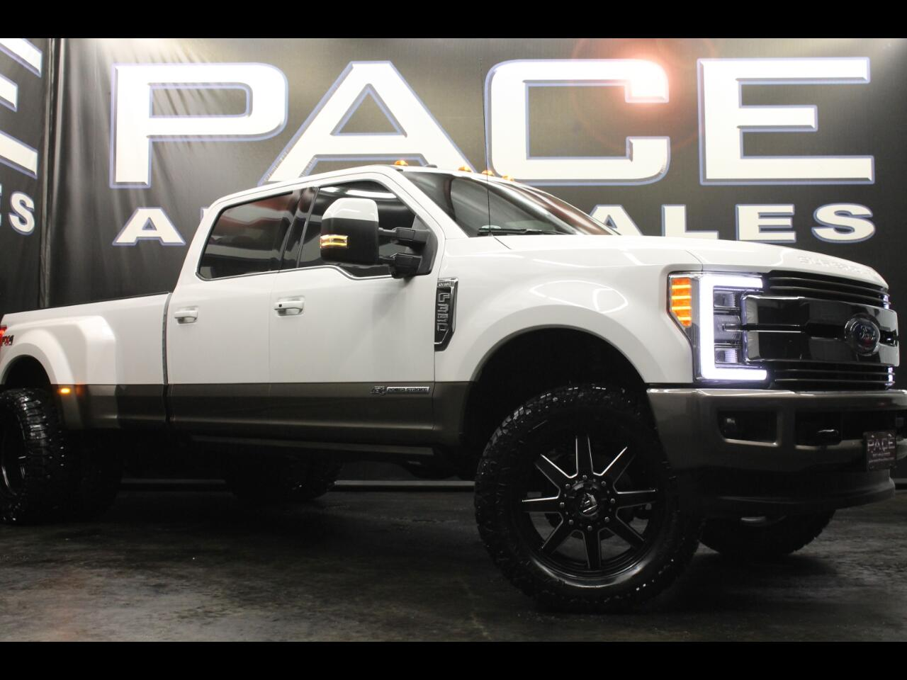 2018 Ford Super Duty F-350 DRW King Ranch 4WD Crew Cab Leveled Custom