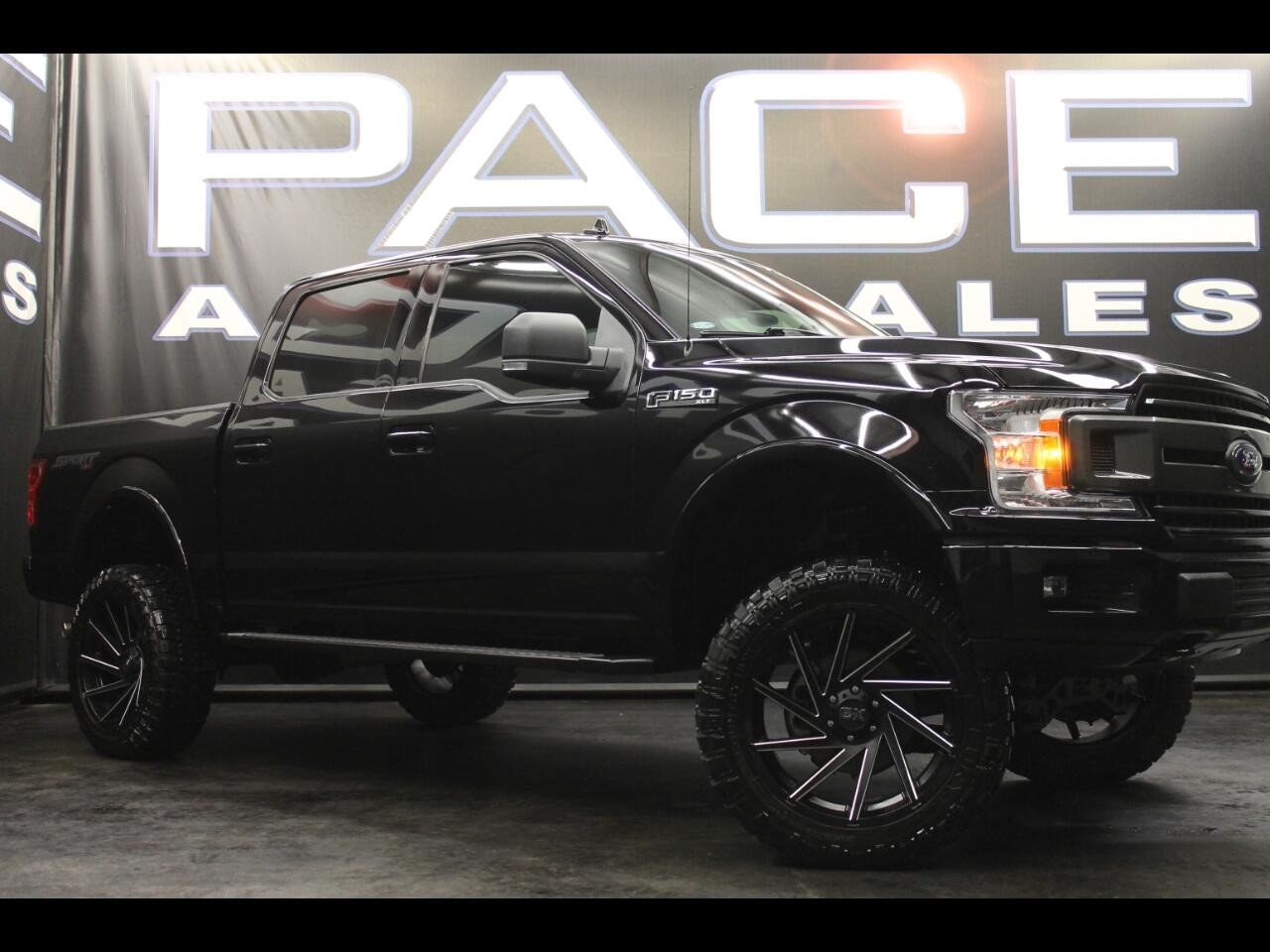 2018 Ford F-150 4WD SuperCrew Lifted Custom