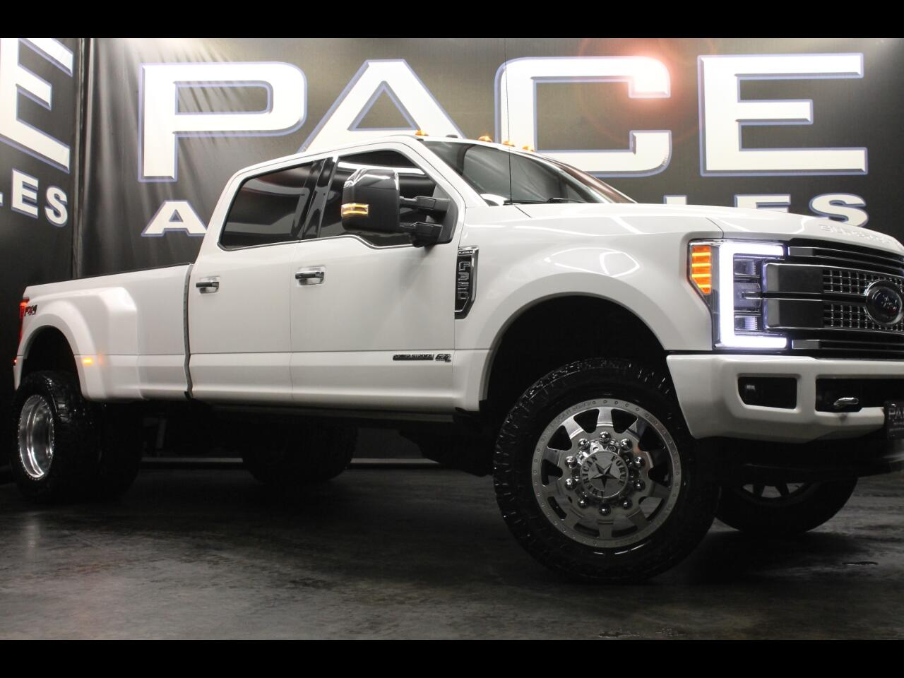 2018 Ford Super Duty F-350 DRW Platinum 4WD Crew FX4 Lifted Custom