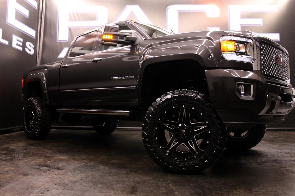 2015 GMC Sierra 2500HD Denali Crew Cab 4WD LIFTED