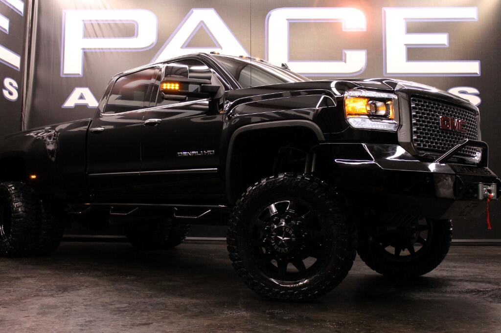 2015 GMC Sierra 3500HD Denali Crew Cab 4WD LIFTED