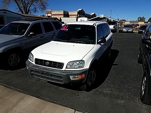 1999 Toyota RAV4 4-Door 2WD