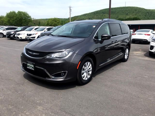 2018 Chrysler Pacifica Touring-L