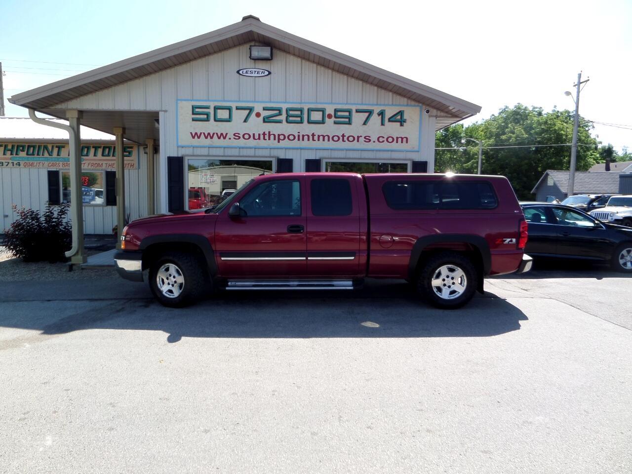 2004 Chevrolet Silverado 1500 LS Ext. Cab Short Bed 4WD