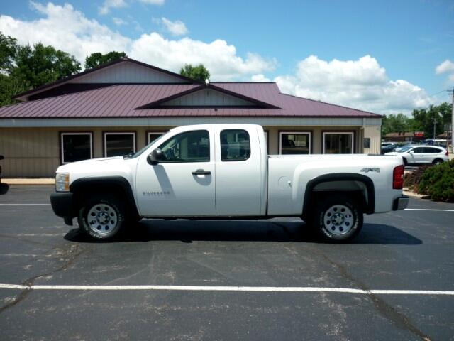 2011 Chevrolet Silverado 1500 Ext. Cab Short Bed 4WD
