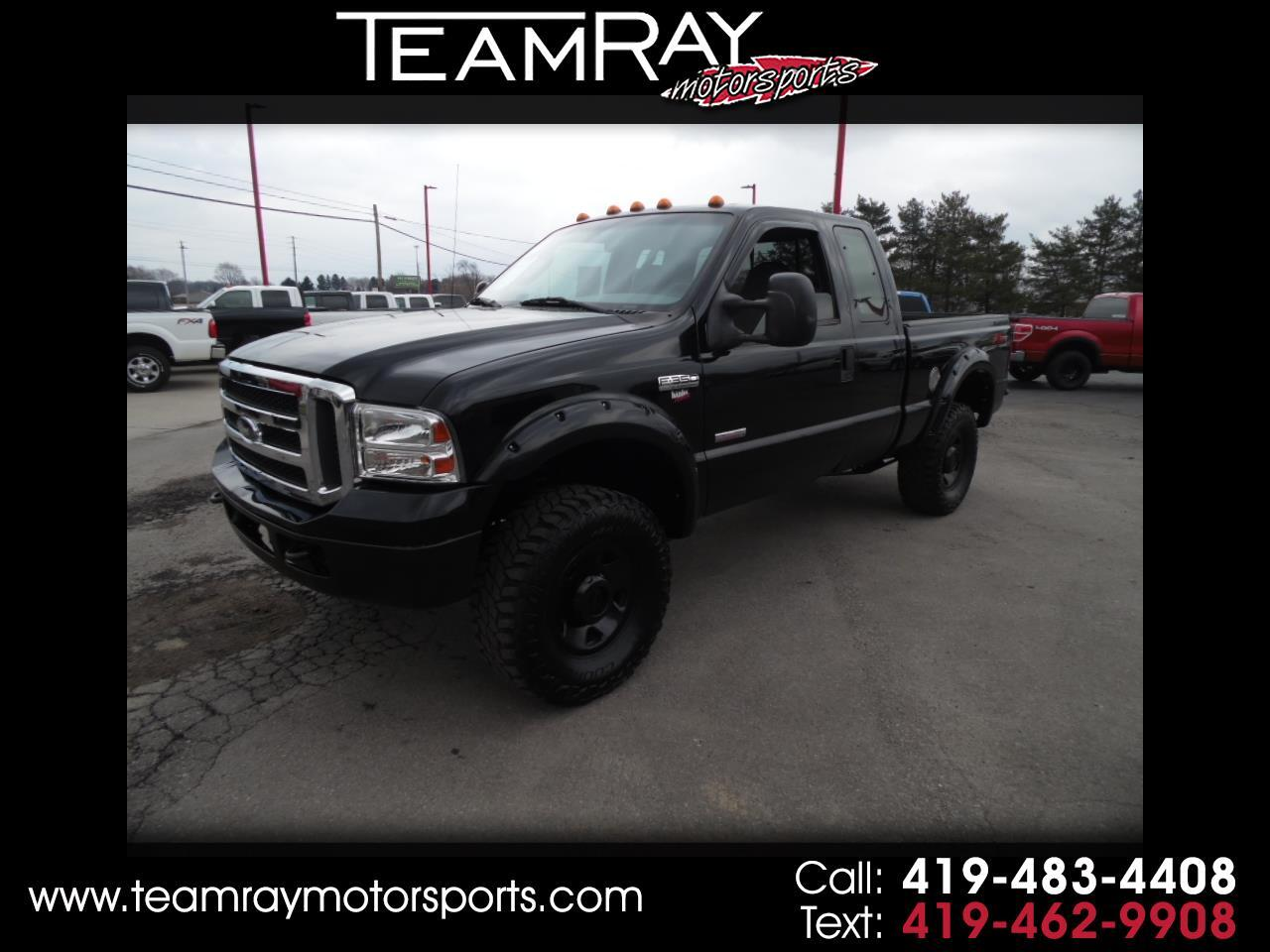"2005 Ford Super Duty F-350 SRW 4WD SuperCab 142"" FX4"