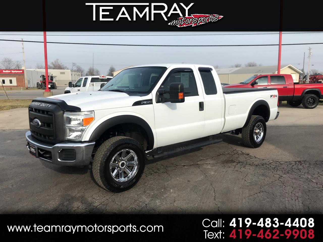 "Ford Super Duty F-350 SRW 4WD SuperCab 158"" XL 2011"
