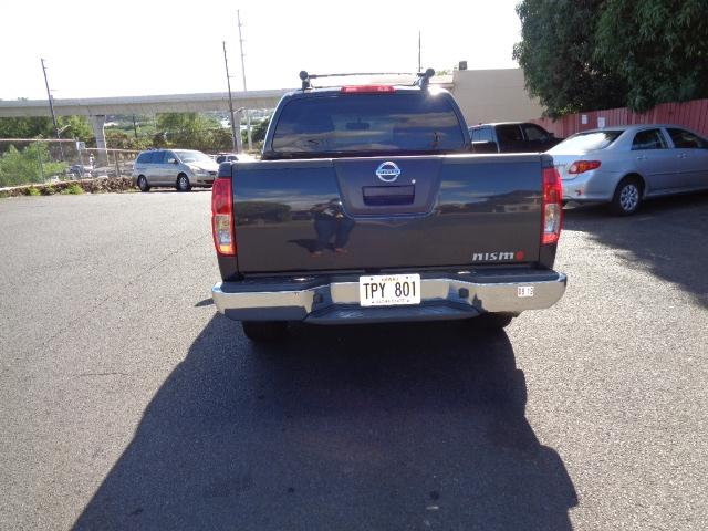 Nissan Frontier LE Crew Cab 2WD 2010