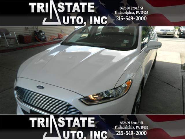 2013 Ford Fusion Hybrid Sedan 4D Titanium I4 Hybrid