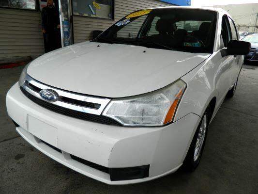 2011 Ford Focus Sedan 4D SE