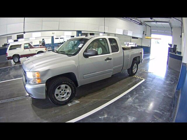 """2010 Chevrolet Silverado 1500 4WD Ext Cab 143.5"""" LT"""