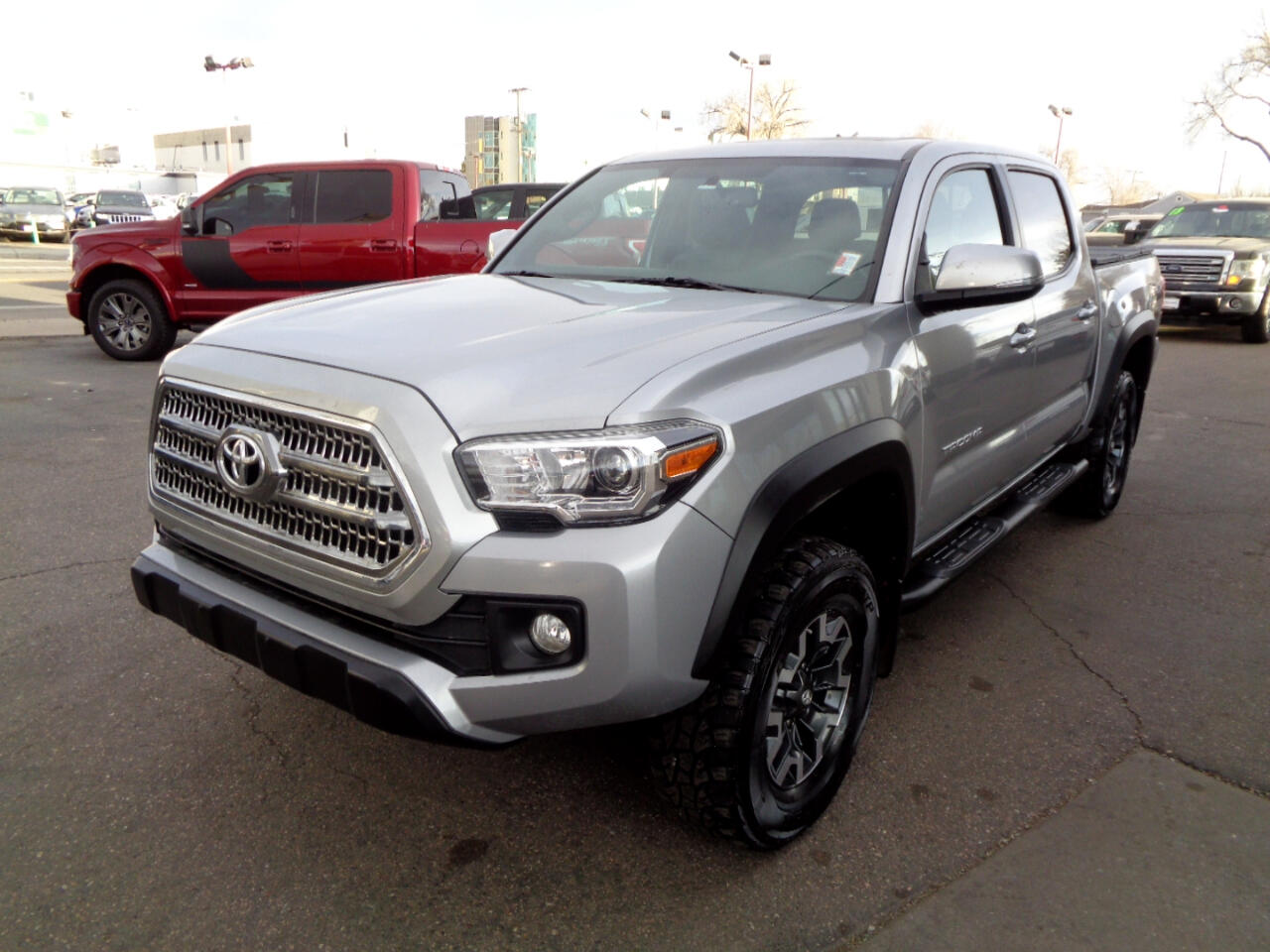 Toyota Tacoma SR5 Double Cab 5' Bed V6 4x4 AT (Natl) 2017