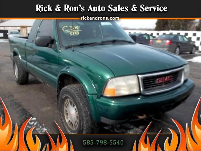 2000 GMC Sonoma SL Ext. Cab Short Bed 4WD