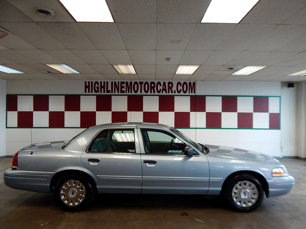 2005 Ford Crown Victoria 4dr Sdn Standard