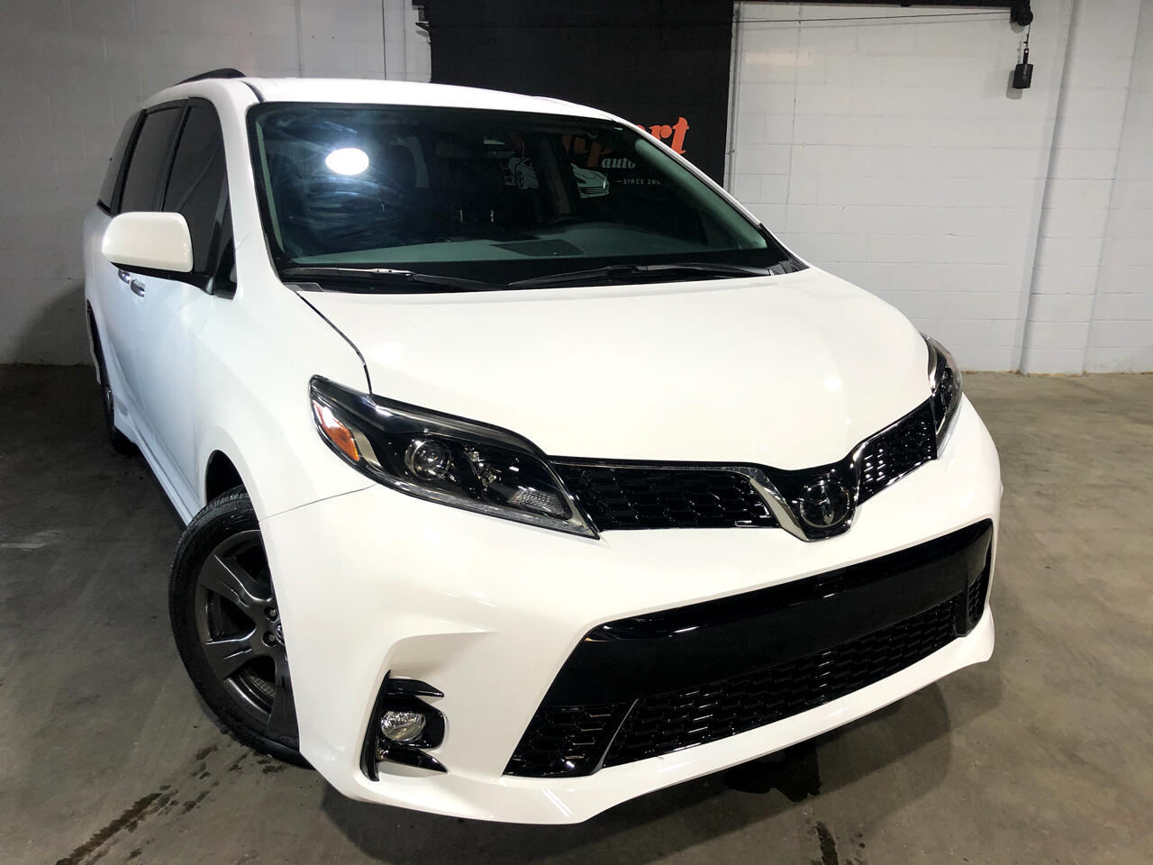 Toyota Sienna SE FWD 8-Passenger (Natl) 2018