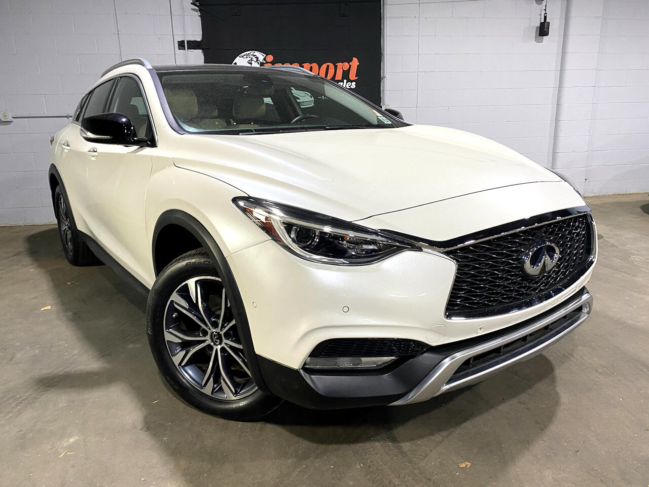 Infiniti QX30 Luxury AWD 2018