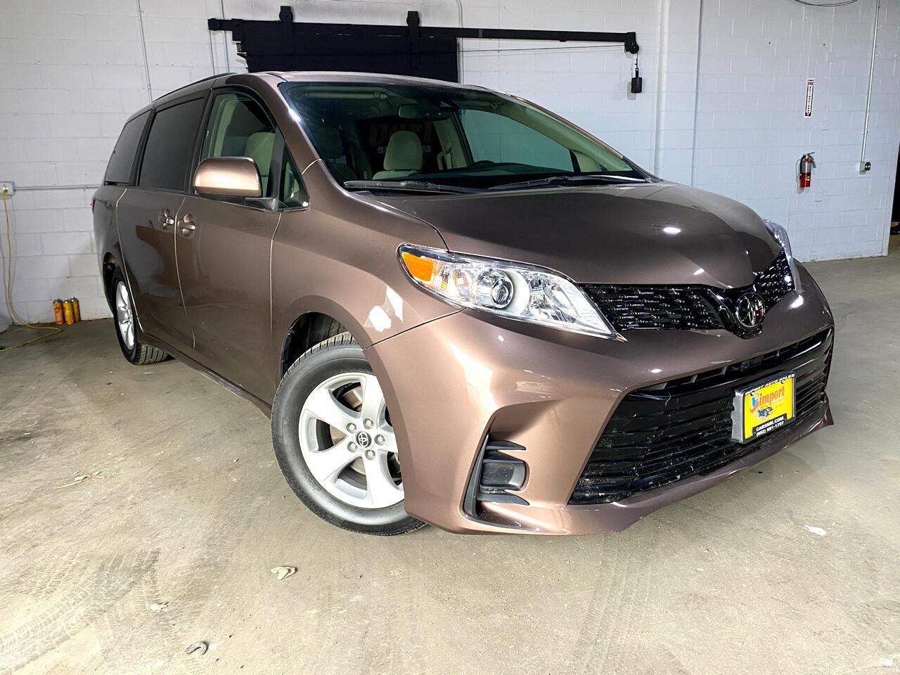 Toyota Sienna LE 8-Passenger 2018