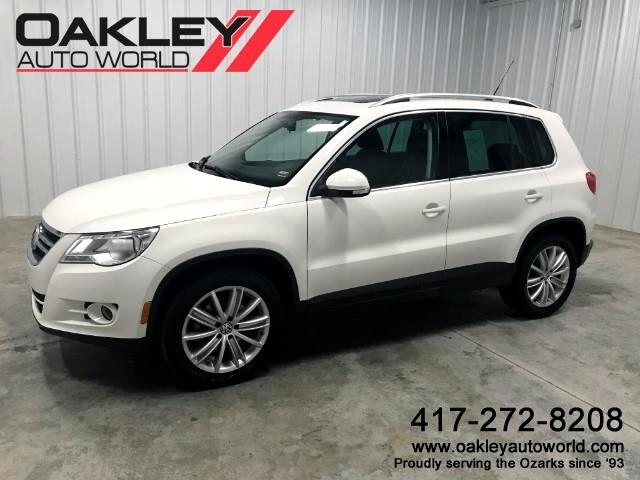 2011 Volkswagen Tiguan SE w/Sunroof and Navigation