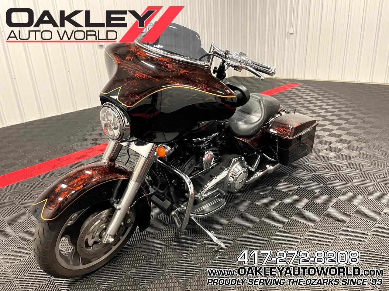 Harley-Davidson FLHX  2013