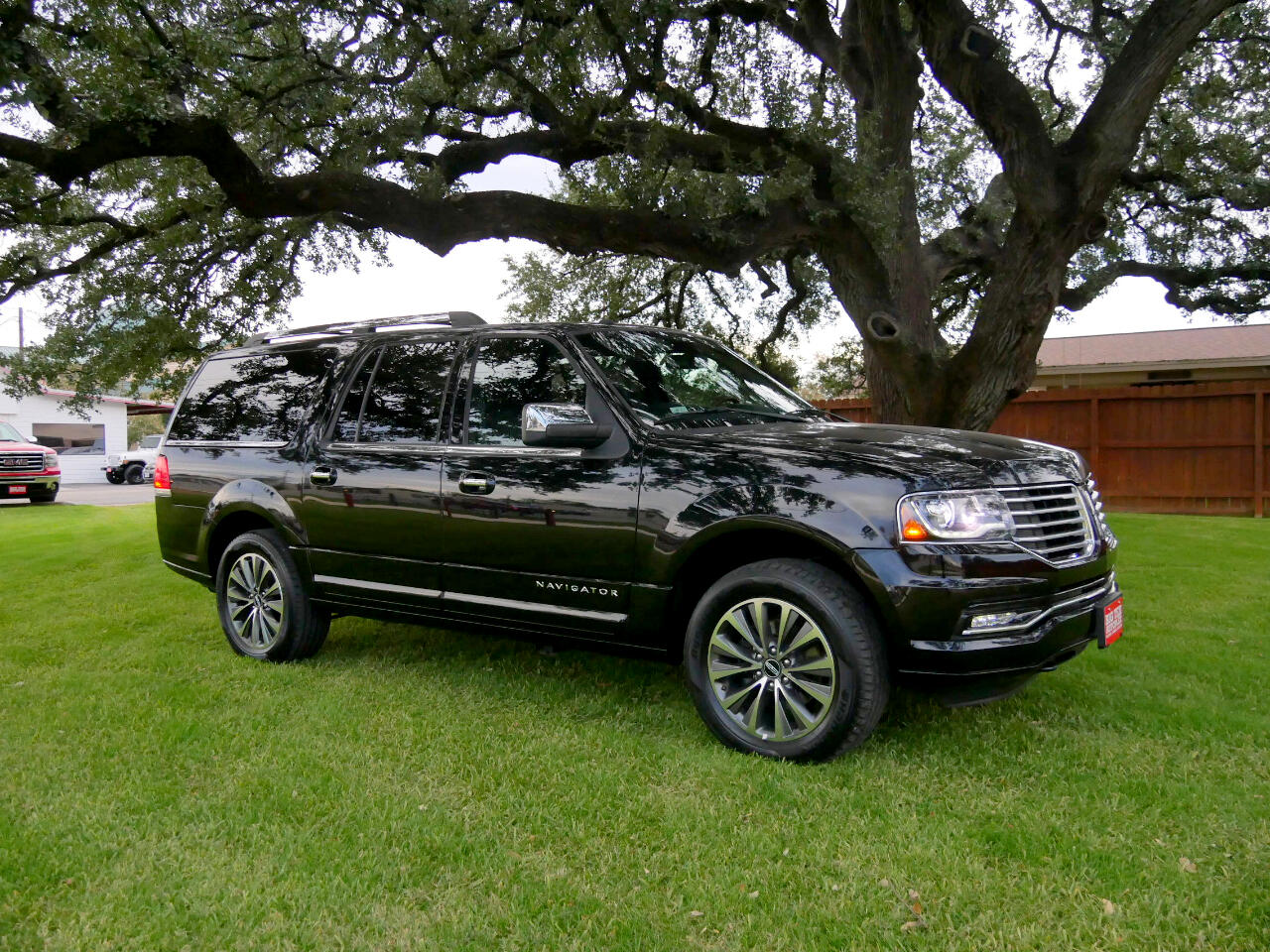 2017 Lincoln Navigator L Select 2WD