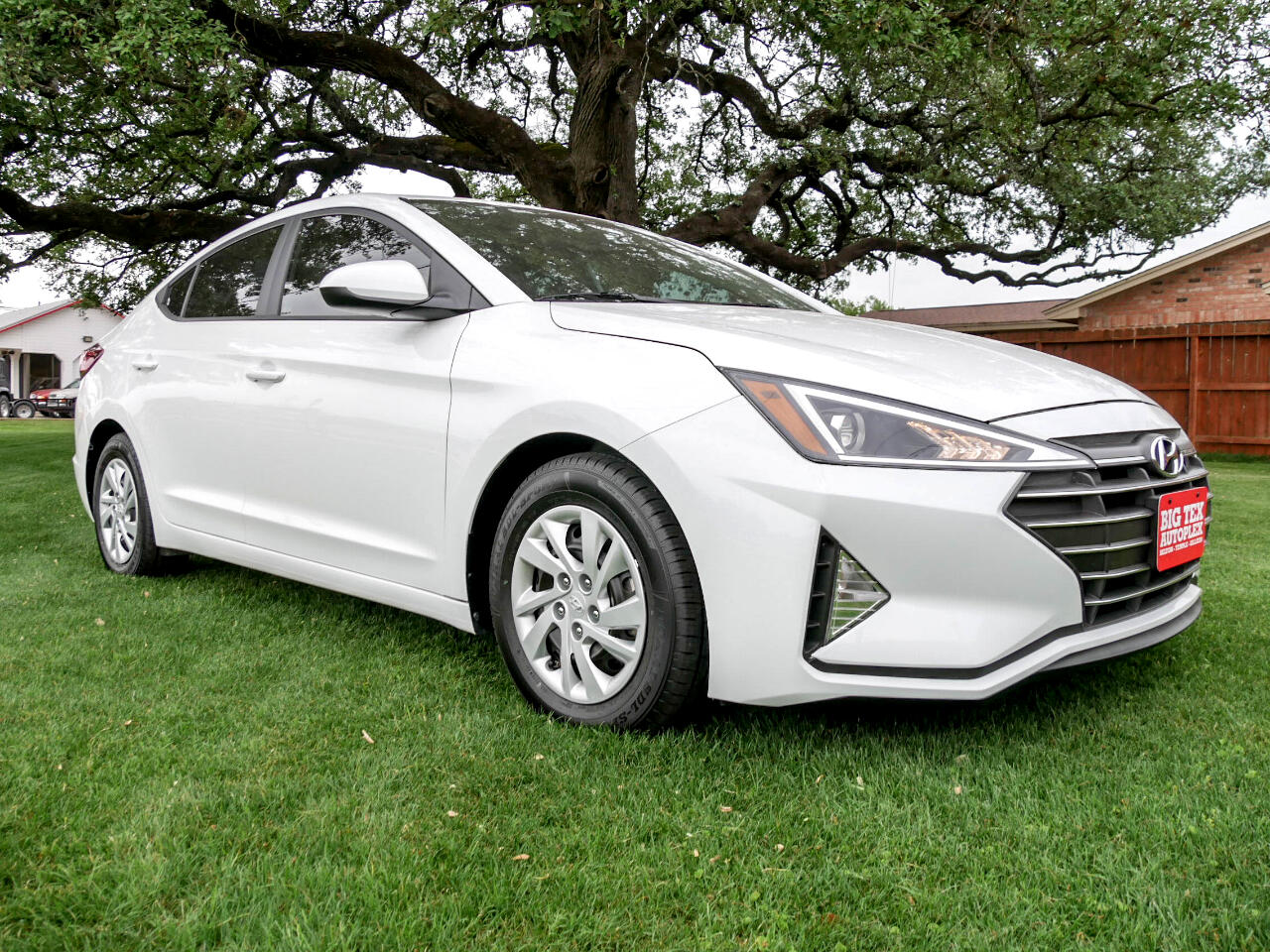 Hyundai Elantra SE 6AT 2020